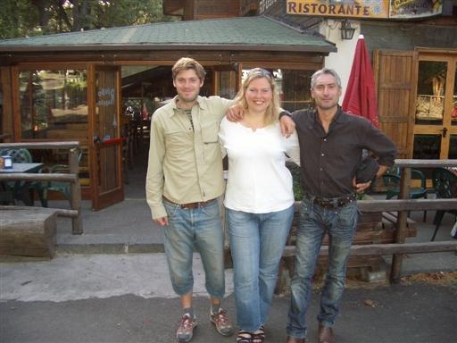 Foto: Helle Rothmann med mit kamera. Toby og BS og mig.