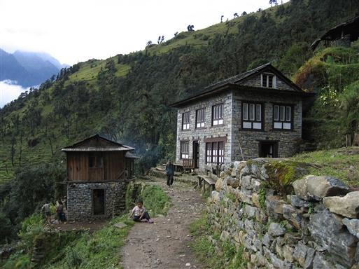 Fra Lukla begiver vi os ud på det nepalesiske stisystem