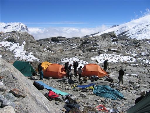 Højde lejr 1 etableres lige efter Mera La passet i ca. 5.400 m