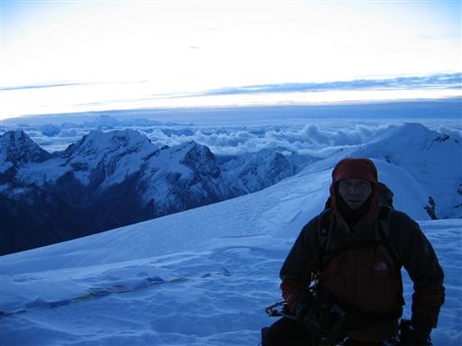 På toppen af Mera Peak 6.461 m lige omkring solopgang
