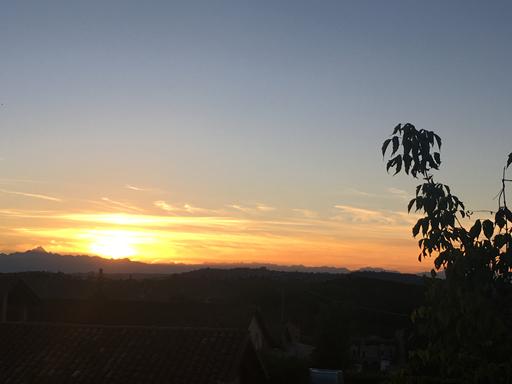 Solnedgang set fra Neive