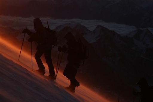 Solopgang på vej mod toppen af Elbrus - Rusland