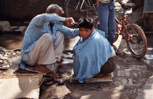Man kan få en klipning til meget konkurrencedygtige priser i Kathmandu