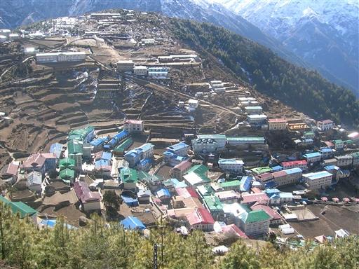 Namche Bazaar - den gamle handelsby højt oppe i bjergene