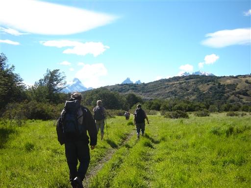 Til fods, på vej ind i Nationalparken Torres Del Paine