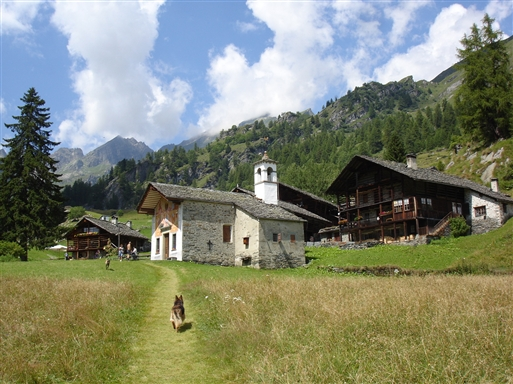 Sæter landsbyen Alpe Follo