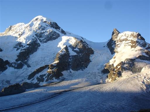 Theodul gletcher-og Mt Breithorn (4159m)