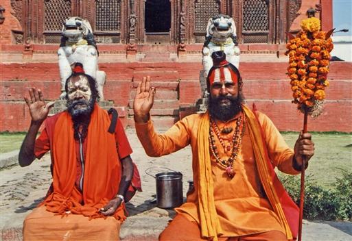 Pashupatinath tempelkomplekset - Saddhuer er hellige hinduistiske mænd