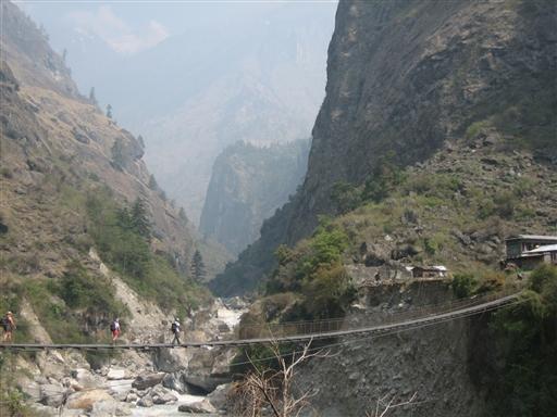 Hængebroerne kan være lange, men er som regel solide og stabile