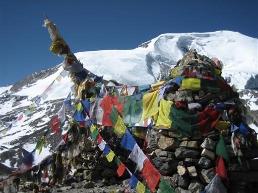 Endelig når man op til Thorung La i 5.416 moh.