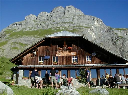 Refuge de Mayere i 1.563 moh., hvorfra der er en flot udsigt.