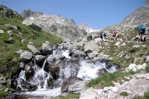 Opstigning i det alpine terræn.