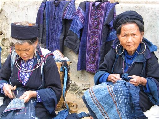 Kvinder fra H'mong-stammen