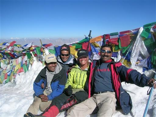 Glade og tilfredse guider og turleder. 100% topsucces (2007).