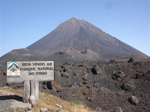 Pico do Fogo (2829 m.o.h.), en af verdens flotteste keglevulkaner.