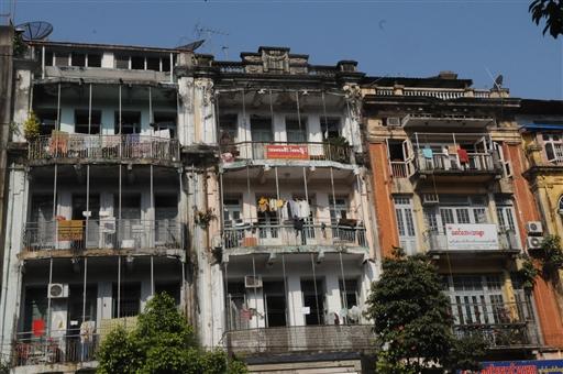 Flotte gamle men slidte beboelsehuse