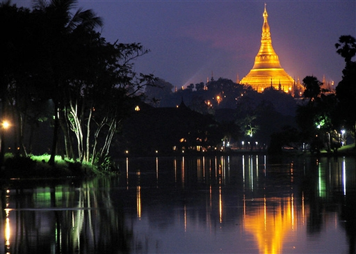 Aftenstemning ved Shwedagon