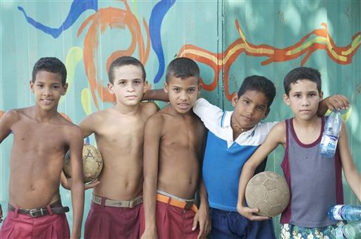Forhåbentlig venter fremtiden på disse raske fodbolddrenge.