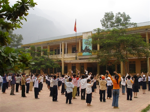 Morgengymnastik i det kommunistiske Vietnam
