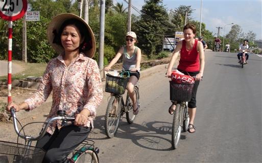 I Mekong-deltaet er der fine asfaltterede veje.