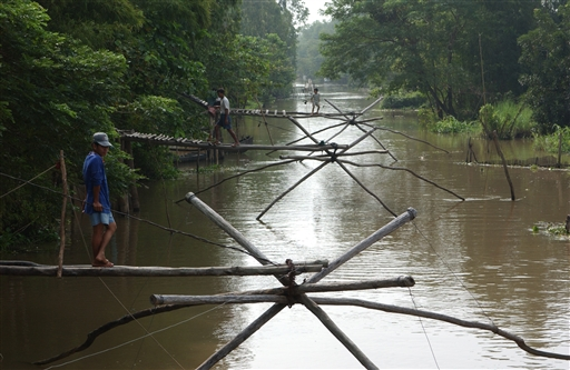 fiskepladser i en af Mekong mange kanaler, der forbinder de ni flodarme.