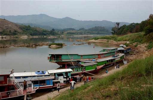 Den lille havn i Pakbeng.