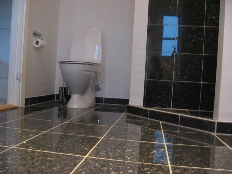 Badeværelses Klinker : Badeværelse med granit