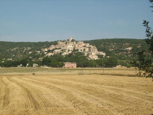 Simiane de la Rotonde med fæstning på toppen