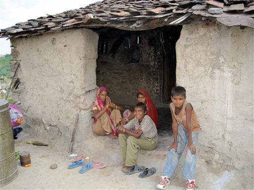 På besøg hos familie på Kumbhalgarh trekket.