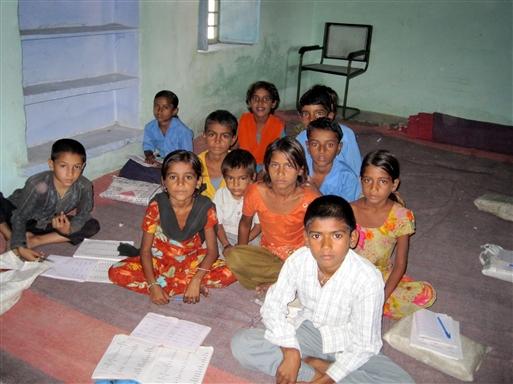 Besøg på landsbyskole.