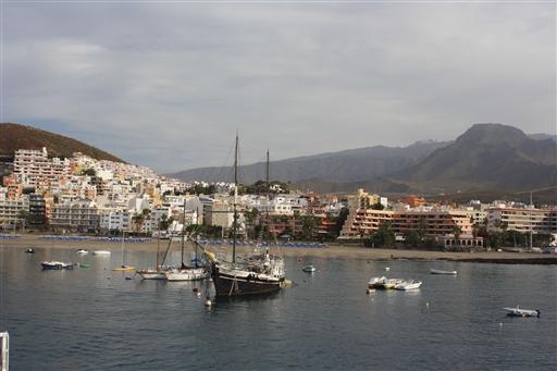 Fra Tenerife sejler vi med færge fra Los Cristianos til La Gomera