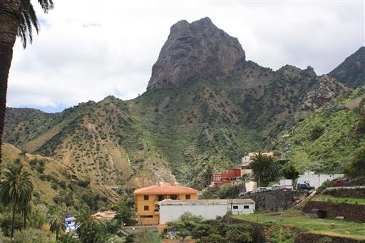 Den kuppelformede 250 meter høje vulkanmonolit Roque Cano