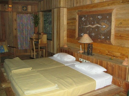 P� turen overnatter vi blandt andet i rustikke, komfortable og hyggelige bungalows