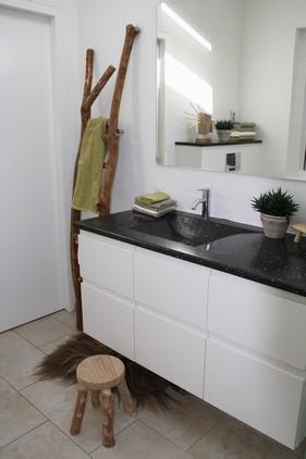 Igen, er de 'bløde' kontraster en god effekt i det 'hårde' badeværelse.