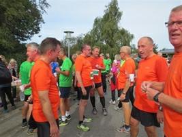 Løbet er slut, og holdet samles efter veloverstået indsats