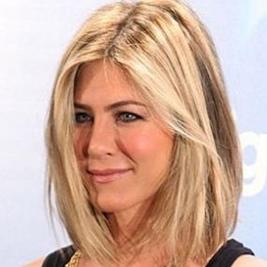 Makeup konfirmation negle hår modeller damer mellemlangt hår tip en