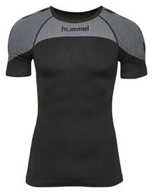 hummel first kortærmet tætsiddende t-shirt sort