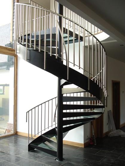 Scan Trapper A/S fremstiller trapper, altaner og gelaender udf?rt i ...