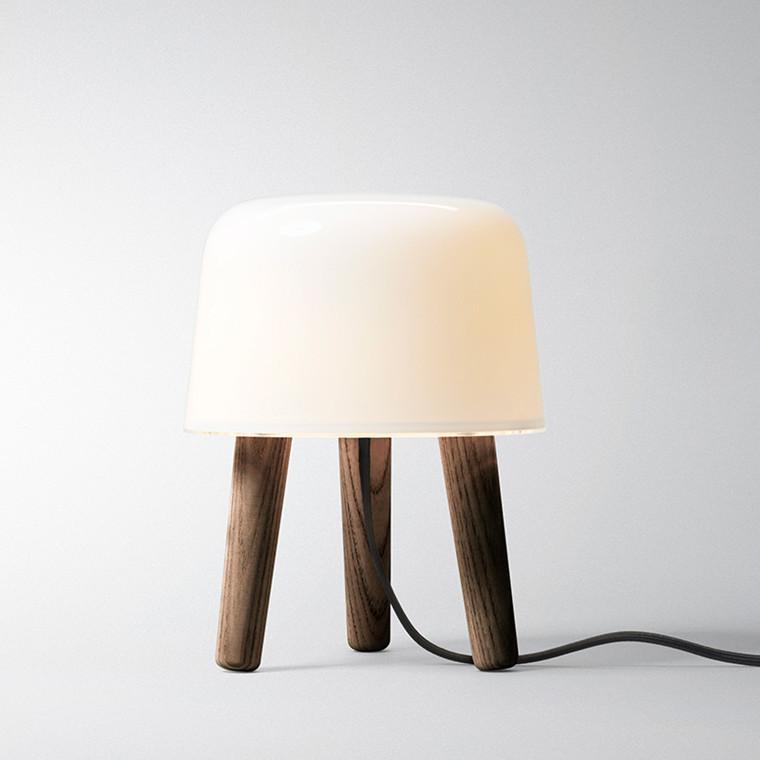 & tradition Milk Lampe Røget Ask