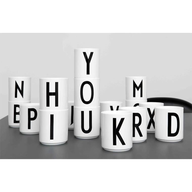 Kop med Bogstav fra Design Letters