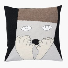 LuckyBoySunday uffie pillow / brown
