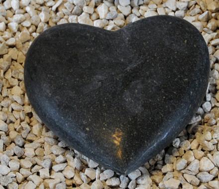 Sort granit pyntehjerte (Gr. 811)