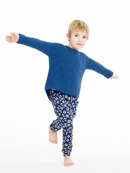Retstrikket sweater med buet kant (børn)