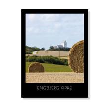 Engbjerg Kirke i høstlandskabet