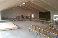 Carlshallen er på 800 m2. God plads til musik anegemanger, udstillinger og store fester. Max 750 personer.
