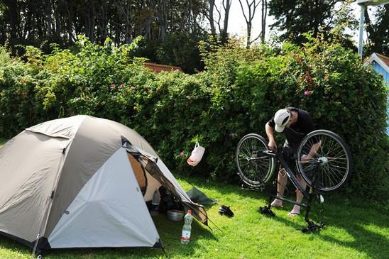 Se artikler om campingudstyr til højre