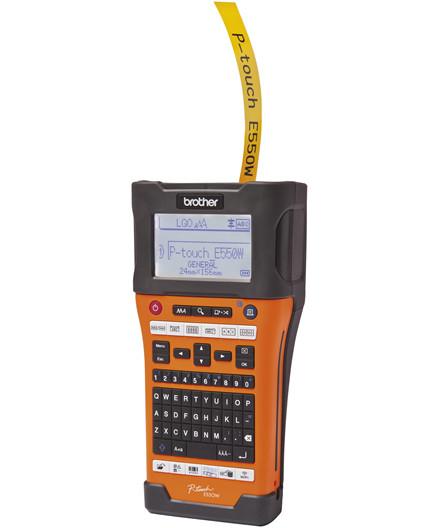 Brother P-Touch labelmaskine m/ 4 rl. tape og genoplad. battteri
