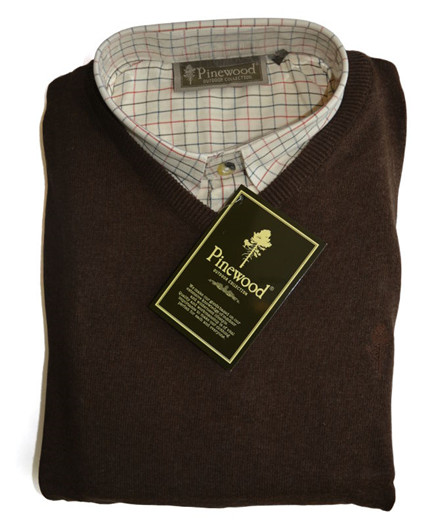 Pinewood Indiana / Finnveden V-Neck Gift Box