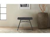 Sitzhocker ALBA aus Rattan mit Metallgestell in schwarz