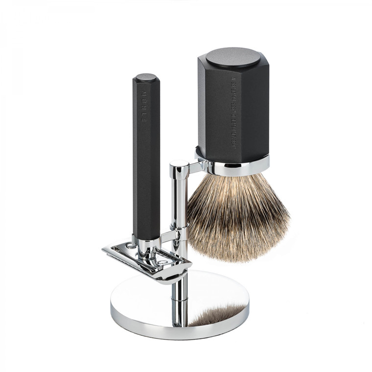 Mühle x Mark Braun Barbersæt med DE-skraber, Silvertip Barberkost og holder, Hexagon, Aluminium Graphite